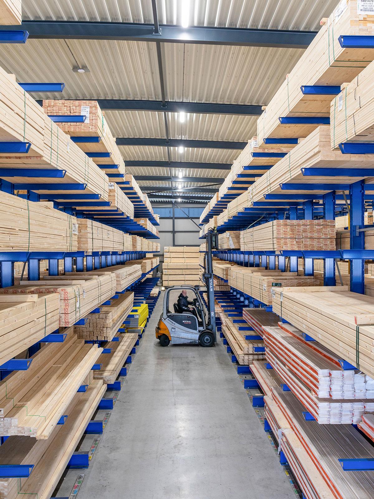 warehouse draagarm stellingen Cor Verkolf